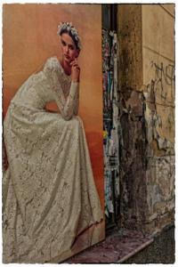 Vrouw op muur 30x45cm