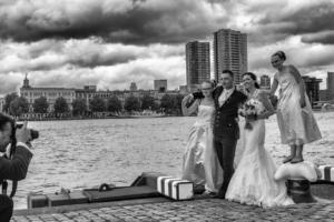 donkere wolken bruiloft